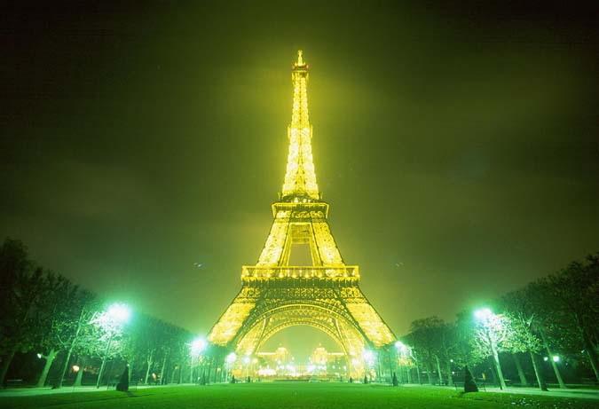 Foto Proses Pembuatan Menara Eiffel | Terasing.com