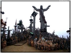 https://benysalim.files.wordpress.com/2012/02/hill-of-crosses-2.jpg?w=300