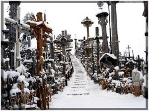 https://benysalim.files.wordpress.com/2012/02/hill-of-crosses-4.jpg?w=300